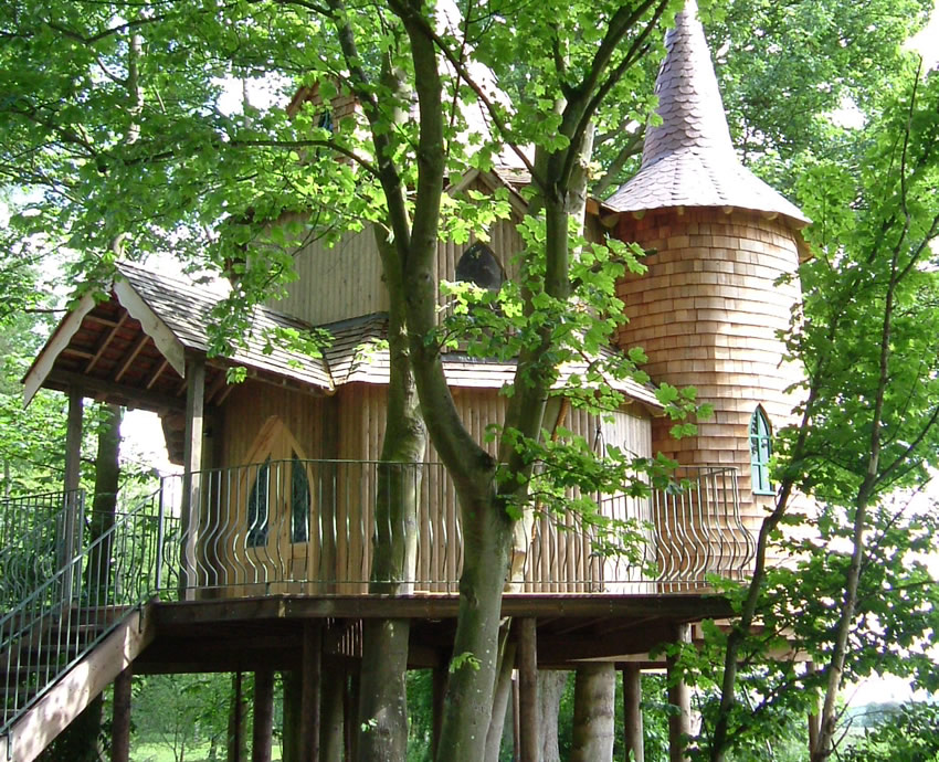 Treehouse Fernie Castle